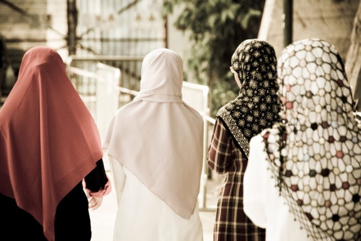 cara-tutup-aurat-muslimah